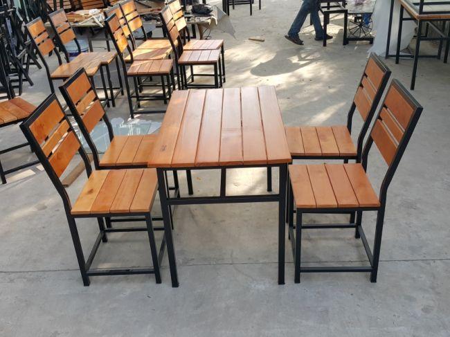 Thanh Lý Bộ bàn ghế chân sắt mới 100%