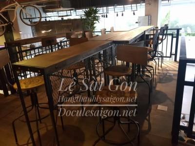 Thanh Lý Bàn ghế bar vintage giả cổ mới 90% - HẾT HÀNG