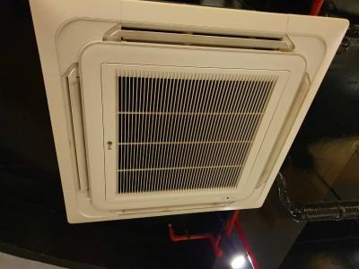 Thanh lý máy lạnh âm trần LG 4hp còn bảo hành 2 năm.